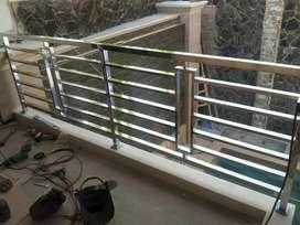 Stenlis steel balkon kaca minimalis
