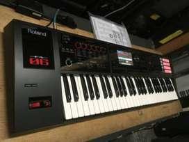 Roland FA 06 61 key Keyboard Workstation