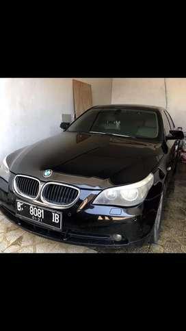 BMW 520i Hitam 2004