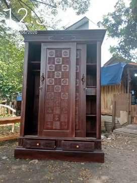 Lemari kayu jati Jepara pintu geser