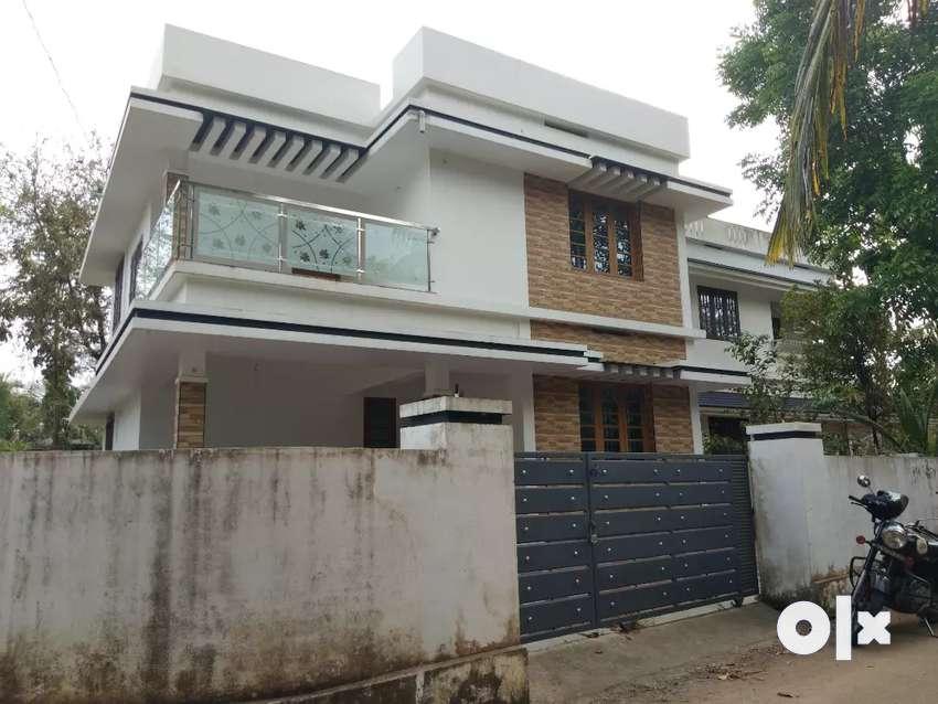 6.2 cent 1400 sqft 3 bhk house at paravur aluva road manakapady 0