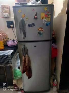 Mint Condition LG fridge - 250 Ltr for SALE