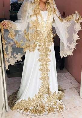 Kebaya pernikahan putih long dress
