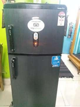 Whirlpool mastermind 6th sense refrigerator, 220 litre