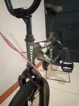 BMX UNITED UK.16'