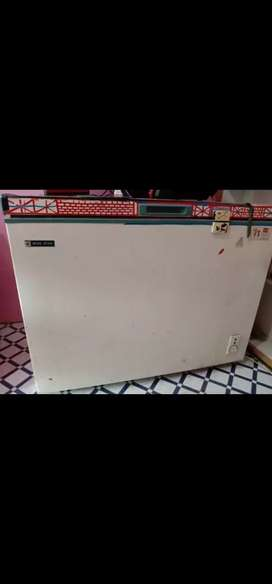 I want to sell Deep freezer