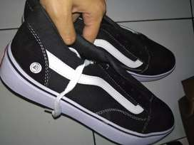 Sepatu vans old hitam size 43