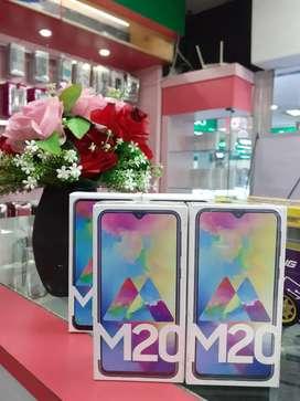 Samsung M20 baru bisa tt