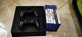 PS4 Slim double controller plus game