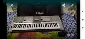 Yamaha 425 key board with adopter, cover