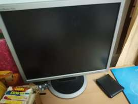 Desktop with samsung lcd, i ball keyboard