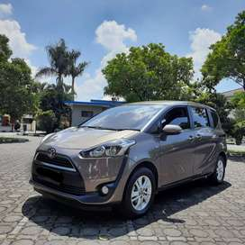 LOW KM !! TOYOTA SIENTA G 1.5 AT 2016 Full Original