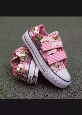Sepatu anak Converse motif lol