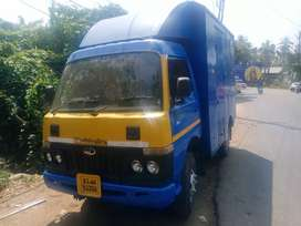 Mahindra di 3200 crx closed body