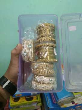 Gifts item and artificial jewellery