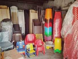 Plasticno itam khursi table wolsel vehpari