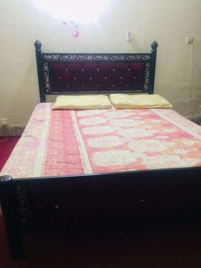 Double bed for sale with matress 0