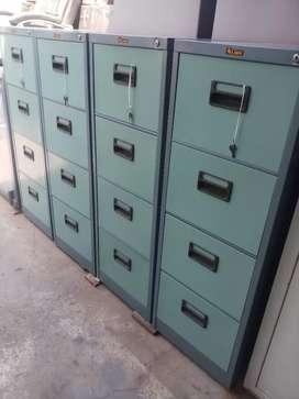 Dijual filing kabinet merk lion laci 4 model baru