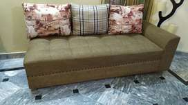 Almost new sofa in brown colour foam condition 10/10 6seater sofa