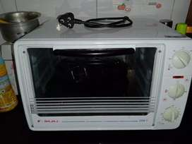 White coloured Microwave oven