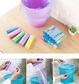 Kantong Plastik Sampah Gulung ( 1 Roll Isi 20 Lembar )