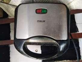 ITALIA SADWICH MAKER