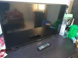 Tv LEd 40inch polytron