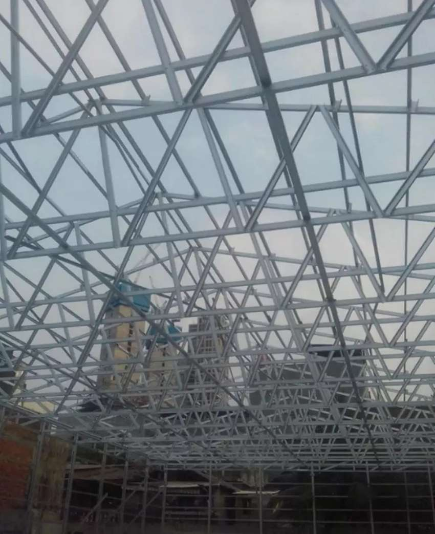 Rangkà atap bajaringan dan kanopi minimalis 0