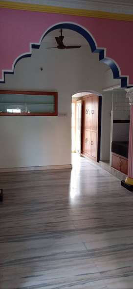 Independent 1,2bhk for bachelors r families no disturbance with owners