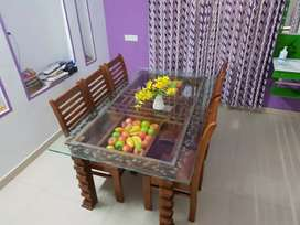 Daining table available just 24000