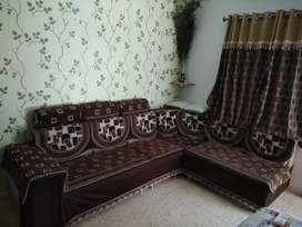 5 seater sofa with cornar