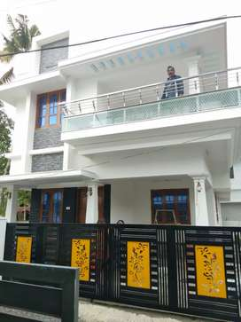 6.5 cent 1700 sqft 3 bhk new build house at varapuzha near koonammav