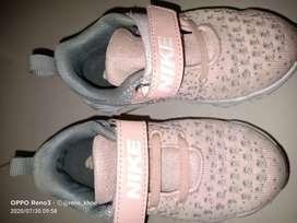 Sepatu Nike Anak Unisex (boy/girl)