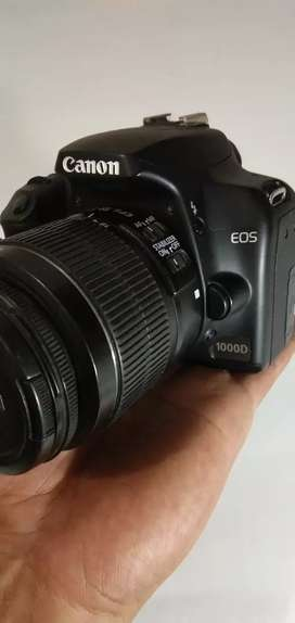 Canon EOS 1000D like new !