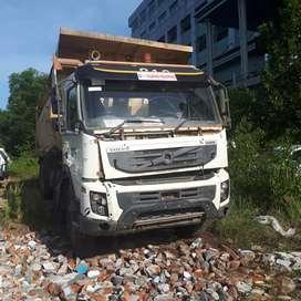 Dijual Dump Truck Volvo FMX 440 8x4