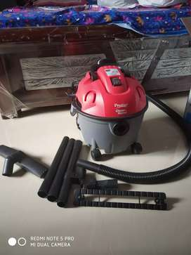 Vacuum cleaner, wet and dry cleaner