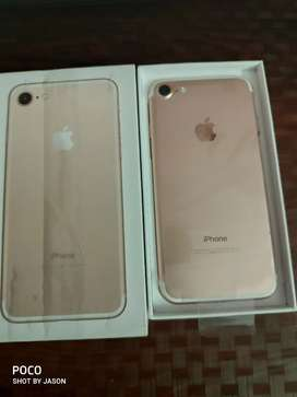 New iphone 7 128gb with  SELLERS WARRANTY and accessories