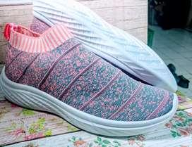 Sepatu wanita pink