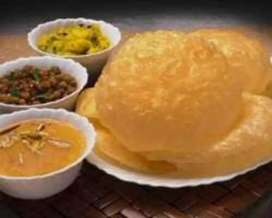 Chef. For halwa poori. Making expert and experience person required