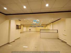 COMMERIAL FLOOR FOR MULTINATIONAL COMPANIES