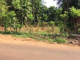 4 cent House plot at Monody,Bus route call