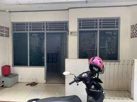 Dikontrakkan Rumah dekat Stasiun Cakung 19 Juta/tahun.