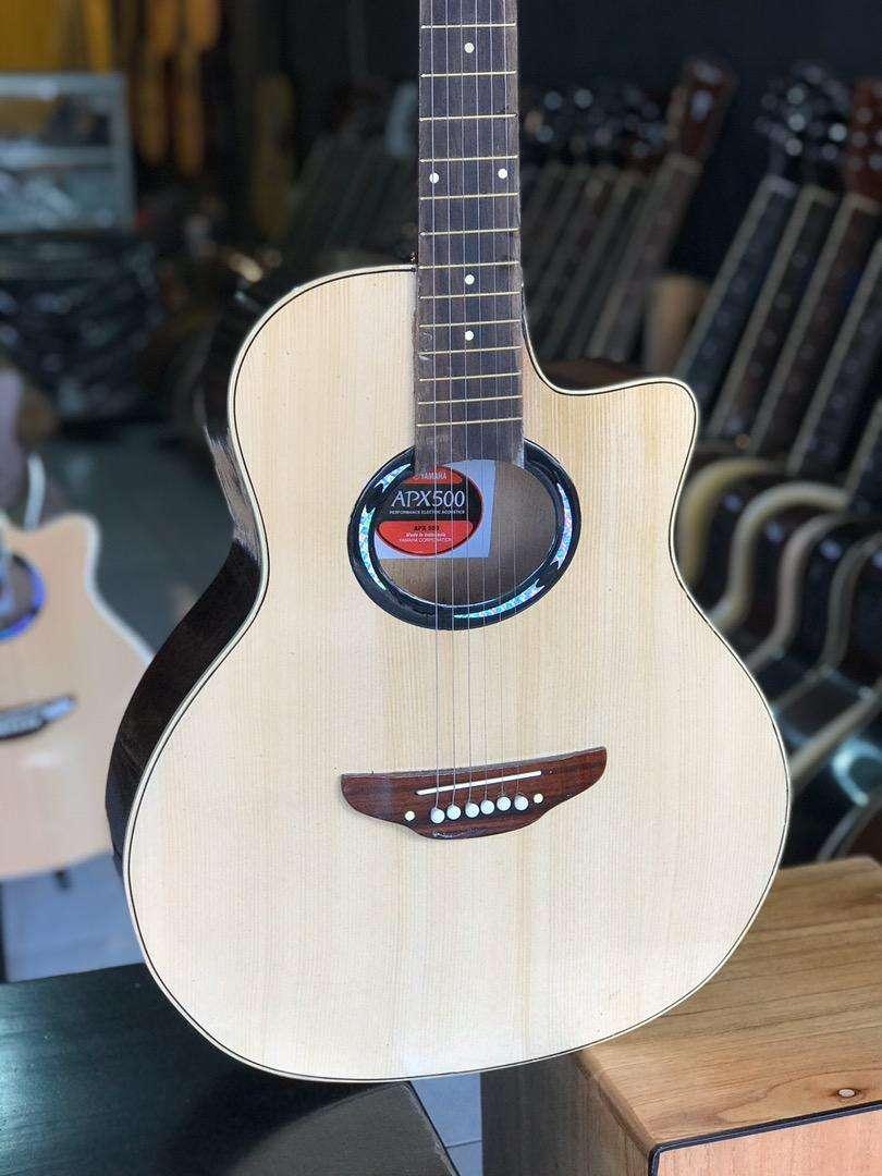 Gitar akustik tanam besi model apx 0