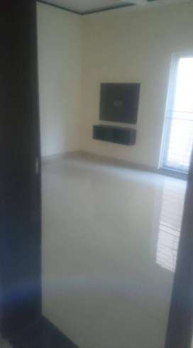 furnish flat for rent very good location in johar town only 27000