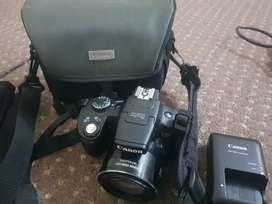 Canon SX50 HS with original bag and Charger
