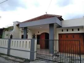 Rumah bagus solo dekat Mall Paragon