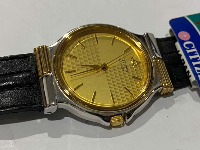 RARE SLIM CASUAL CITIZEN GENTS WATCH,1980's,NEW OLD STOCK