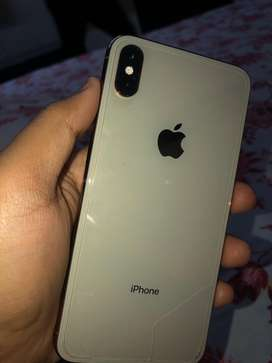 iphone xs max 64 gb only 10 month old under warenty