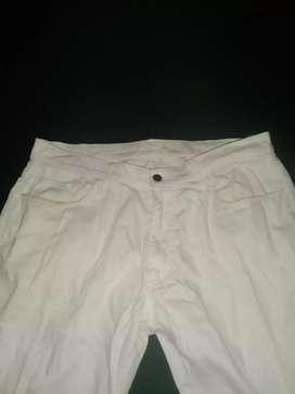 Celana jeans panjang uniqlo bekas pakai size 34