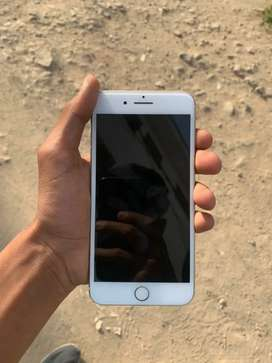 Iphone 7 plus 128 gb in good condition with box charger